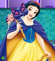 Snow White Halloween Ice Cream Cake